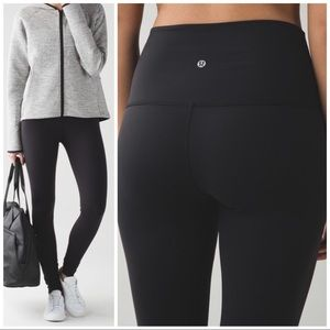 "Lululemon Black High Rise Wunder Under Pant 31"", 6"